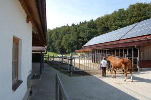 sattelkammer_und_putzplatz_20120225_1302737267